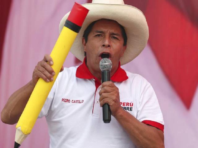 Preocupación por declaraciones de Pedro Castillo sobre feminicidio, machismo y equidad de género