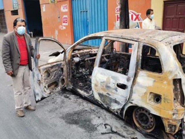 Incendian auto de periodista en Chimbote y no descartan que sea un atentado