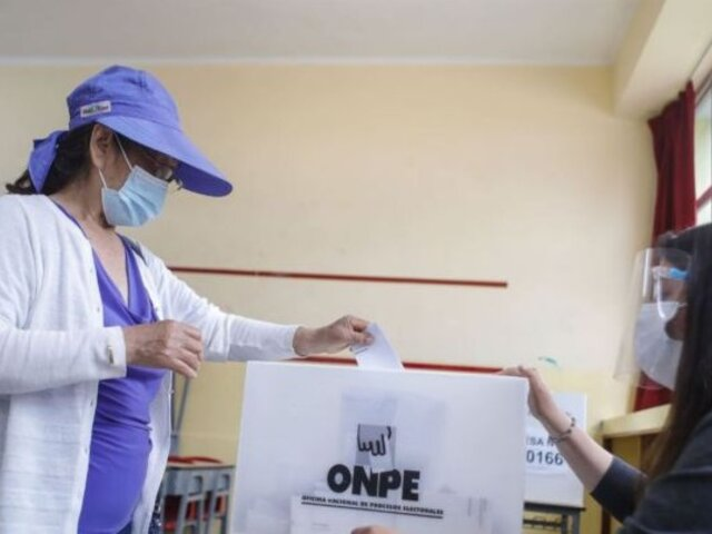 """Embajadora de Reino Unido: Es importante que proceso electoral """"concluya de manera transparente y sin demoras"""""""