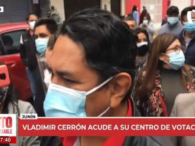 """Vladimir Cerrón acude a votar y asegura que estarán vigilantes ante """"posible fraude"""""""