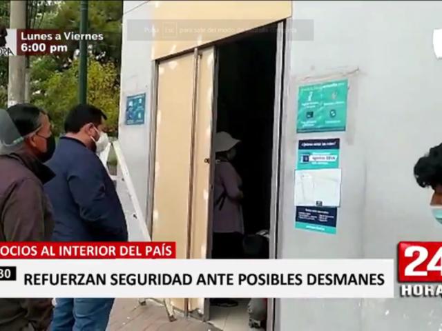 Tiendas al interior del país recubrieron ventanas ante posibles ataques