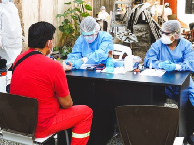 Huánuco: hoy inicia vacunación contra la COVID-19 a bomberos