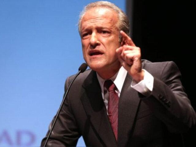 Guerra García: Parece que el único hombre del planeta para ser ministro de Trabajo es Maraví