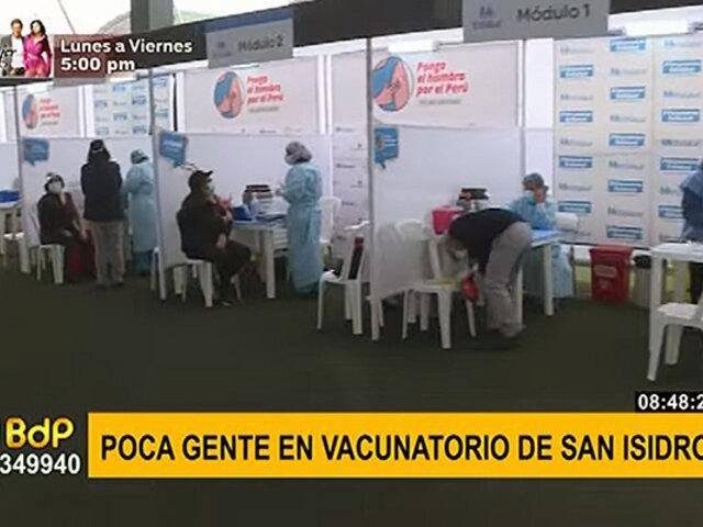 COVID-19: así se desarrolla inmunización a personas de 60 a 62 años en San Isidro