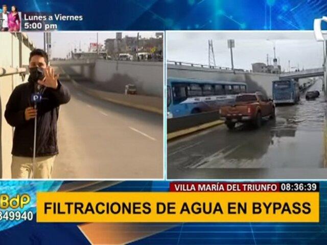 VMT: reportan filtración de agua en bypass de avenida Pachacútec