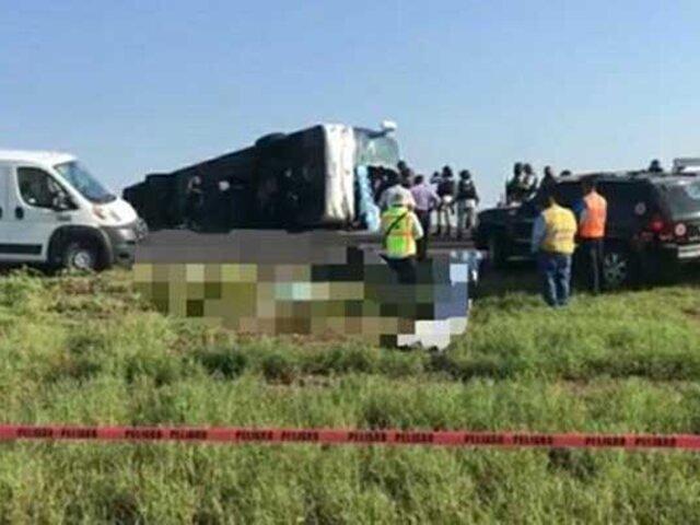 Al menos 12 muertos y 10 heridos, varios de ellos graves, deja volcadura de bus en México