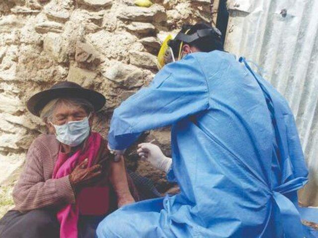 Huancavelica: anciana de 116 años recibe su segunda dosis contra la COVID-19