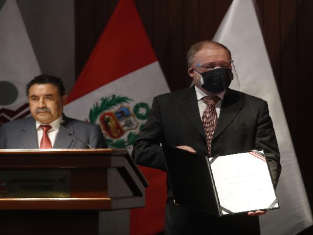 Jurado Nacional de Elecciones entregó credenciales a parlamentarios andinos electos