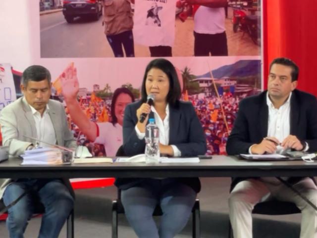 Fuerza Popular brindó conferencia de prensa con especialistas