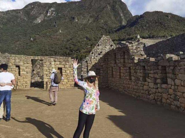 Itatí Cantoral: actriz mexicana  junto a sus tres hijos recorrió  la ciudadela inca de Machu Picchu