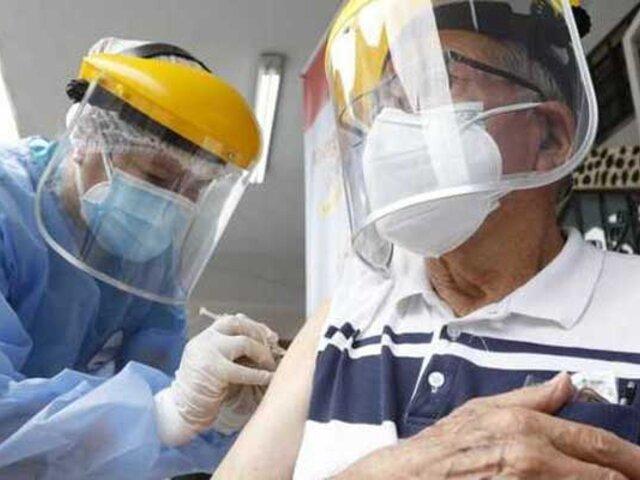 COVID-19: este viernes iniciará vacunación a mayores de 50 años