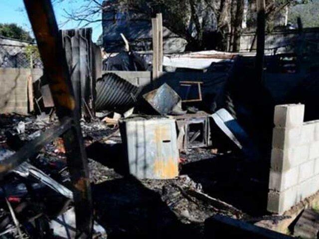 Perro travieso provoca voraz incendio y reduce a cenizas vivienda prefabricada de su amo
