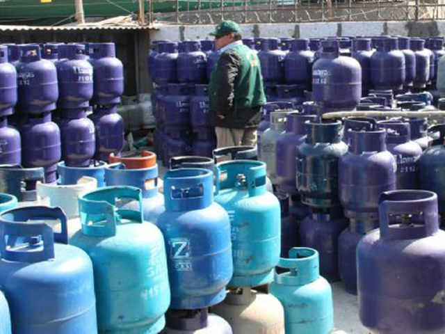 Envasadoras advierten que el precio del balón de gas podría subir en los próximos días