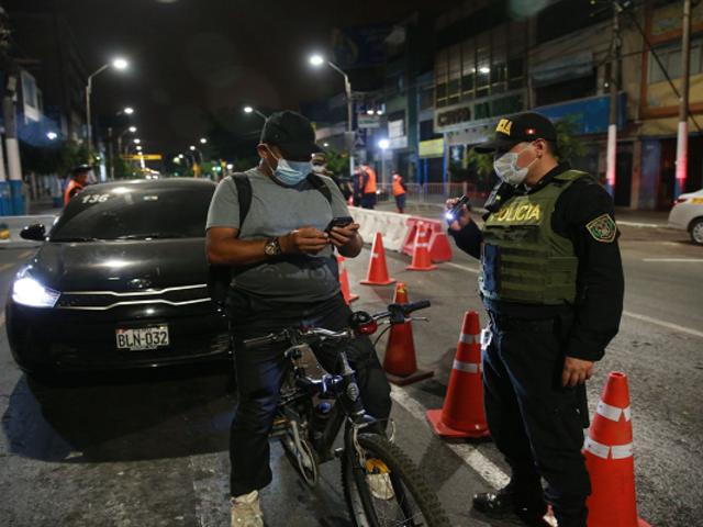 PNP aplicó más de 410 mil multas por burlar medidas restrictivas por la Covid-19