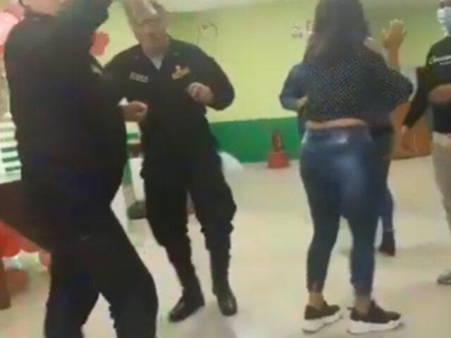 Captan a policías participando de fiesta dentro de comisaría en la ciudad de Chiclayo