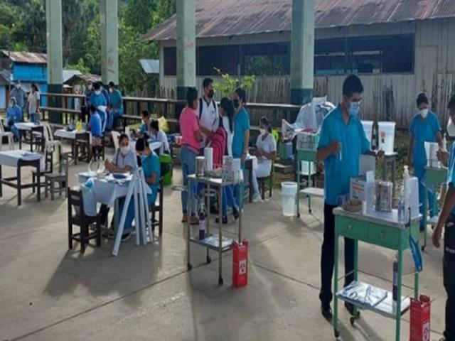 Amazonas inició vacunación contra COVID-19 a comunidades indígenas