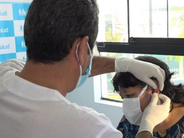 Médicos de EsSalud extirpan con éxito un tumor del oído una madre de familia