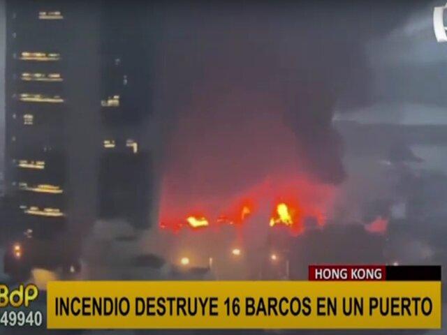 Hong Kong: voraz incendio destruye seis barcos