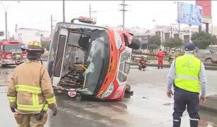 San Borja: bus de transporte público se despista y deja siete personas heridas
