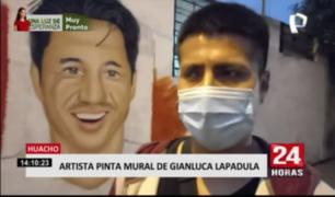 Huacho: artista pinta mural de Gianluca Lapadula