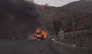 Surco: hombre se salva de morir calcinado tras incendiarse su camioneta en cerro Centinela