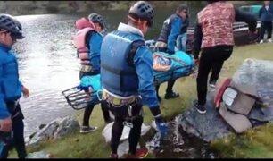 Áncash: ubican y rescatan cuerpo de hombre que murió tras hundimiento de bote en laguna