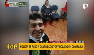 Tony Rosado detenido en comisaría: Policías se toman 'selfies' y cantan con el artista