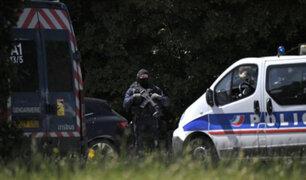 Alerta en Francia: un muerto y un herido grave tras ser apuñalados en un centro comercial