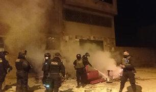 Juliaca: cansados de constantes escándalos enardecidos vecinos prenden fuego a discoteca