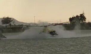 Helicóptero cae a un pantano al intentar sofocar un incendio
