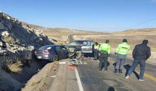 Choque frontal entre auto y camioneta deja cuatro muertos y dos heridos graves en Puno