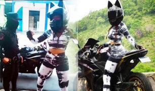 Atractiva motociclista le baila a policía para evitar que le pongan una multa