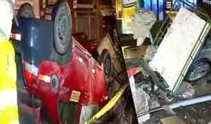 Auto impacta con un triciclo y deja una persona muerta en SMP