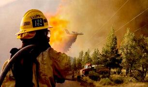 Incendio forestal más grande en EEUU solo es contenido en un 7%