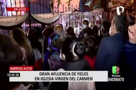 Cercado de Lima: reportan gran cantidad de fieles en exteriores de la iglesia Virgen del Carmen