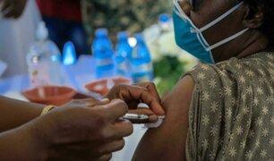 Uganda: cientos de personas recibieron vacunas falsas contra la covid-19