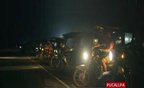 Ucayali: mototaxistas iluminan pista de aterrizaje y logran que mujer sea evacuada en avioneta