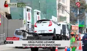 Municipalidad de Miraflores usa modernas grúas para llevar al depósito autos mal estacionados