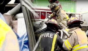 Panamericana Sur: camioneta choca con camión y conductor queda atascado entre los fierros