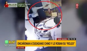 """San Isidro: delincuentes armados roban """"rolex"""" a ciudadano chino en un chifa"""