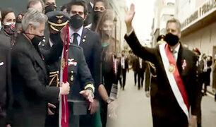 Sagasti entrega la banda presidencial y se retira de Palacio de Gobierno