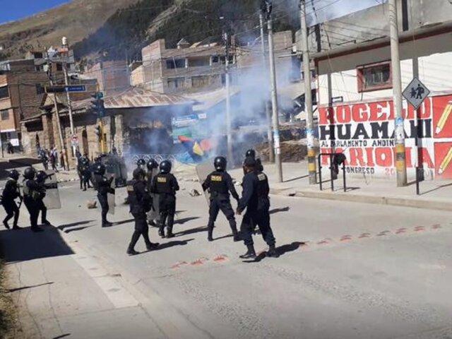 Huancavelica: policías y alumnos de la UNH se enfrentan durante protesta