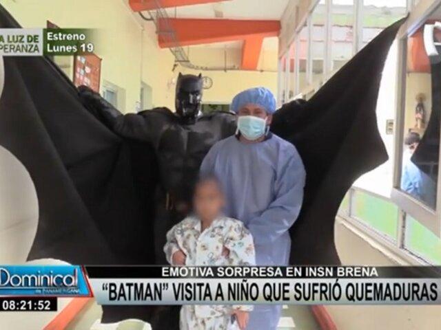 """Emotiva sorpresa en INSN Breña: """"Batman"""" visitó a niño que sufrió quemaduras"""
