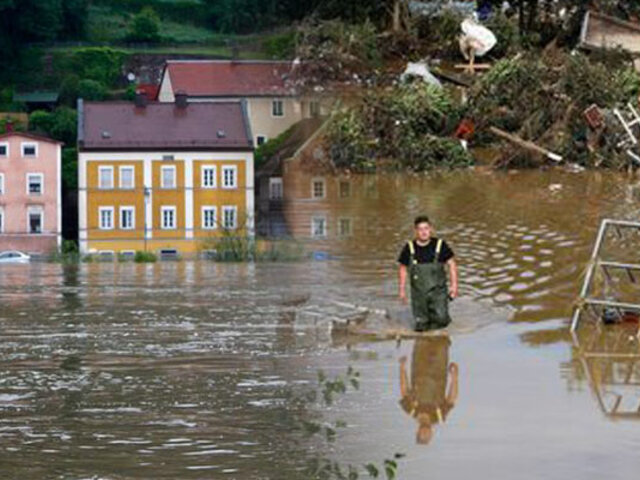 Inundaciones en Alemania dejan al menos 103 muertos y 1.300 desaparecidos