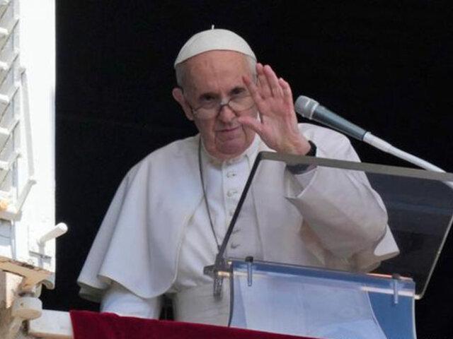"""Papa Francisco pide a los cubanos trabajar por una sociedad """"más justa y fraterna"""""""