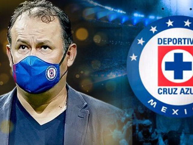 Juan Reynoso fue elegido el mejor entrenador del año por la Liga MX