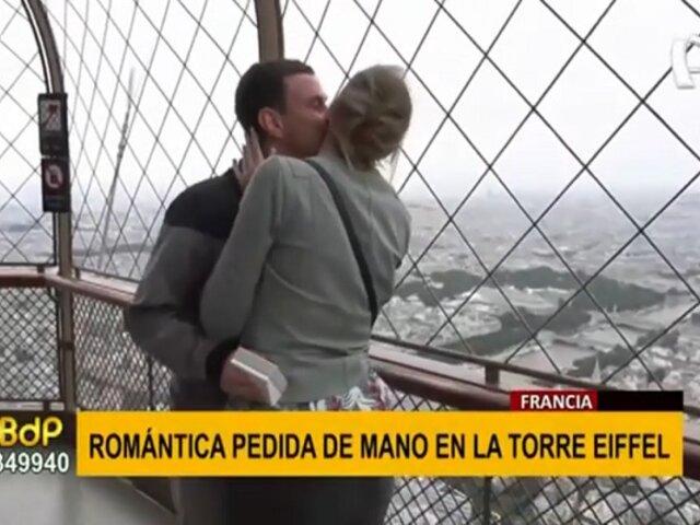 La romántica pedida de mano de un joven a su novia en reapertura de la Torre Eiffel