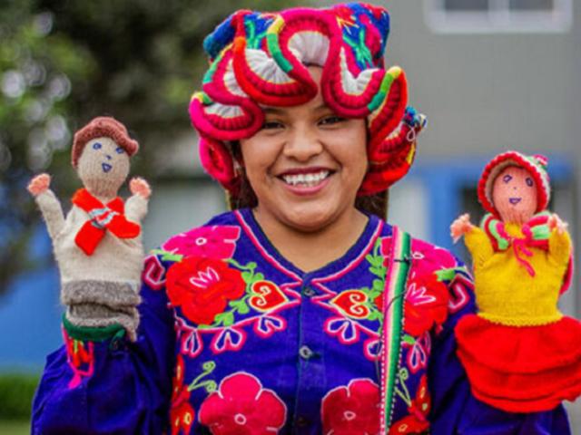 Puno: conozca a la joven docente que trabaja en preservar la lengua aimara