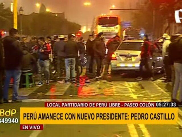 Centro de Lima: Simpatizantes de Perú Libre se amanecieron celebrando