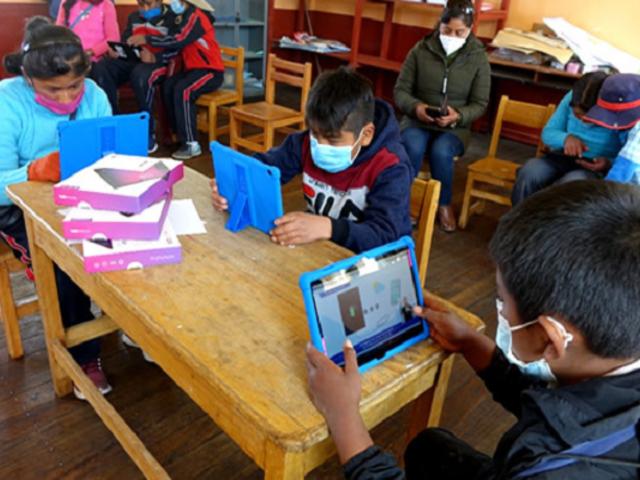 Minedu: 2.613 colegios ya tienen clases semipresenciales